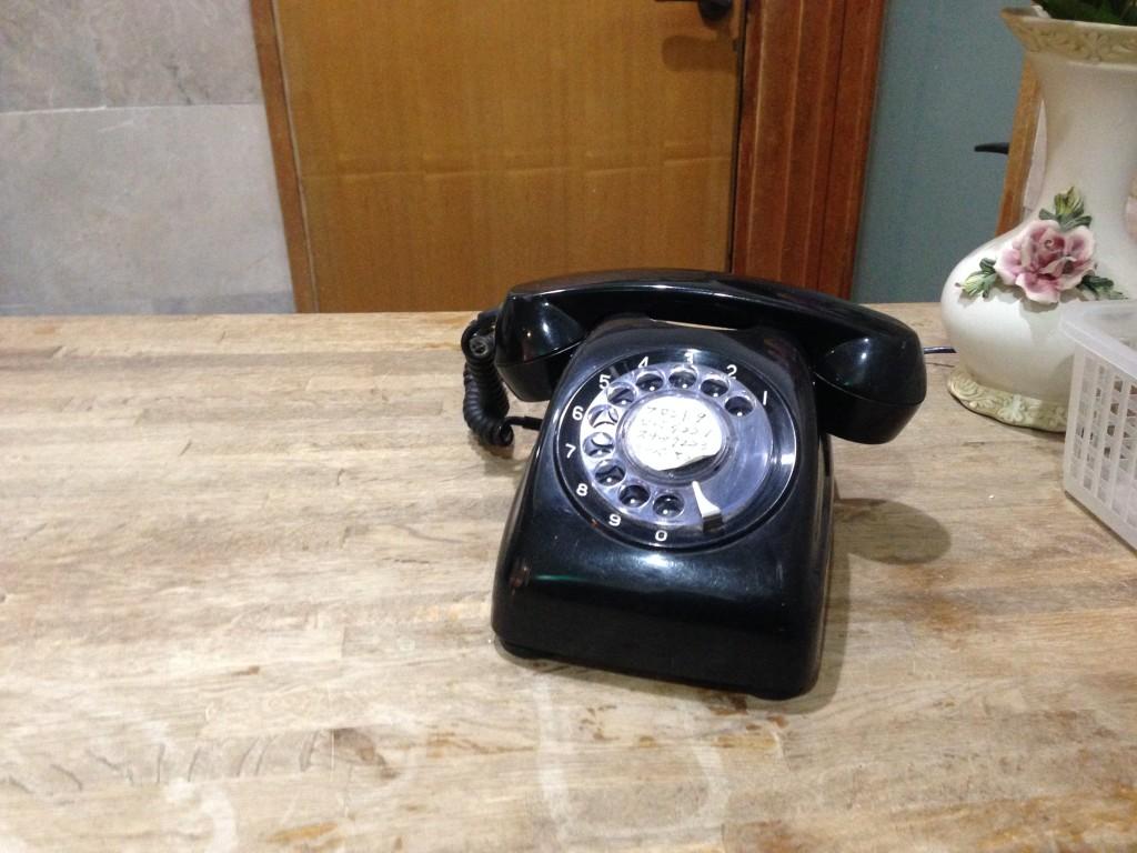 昔懐かし黒電話